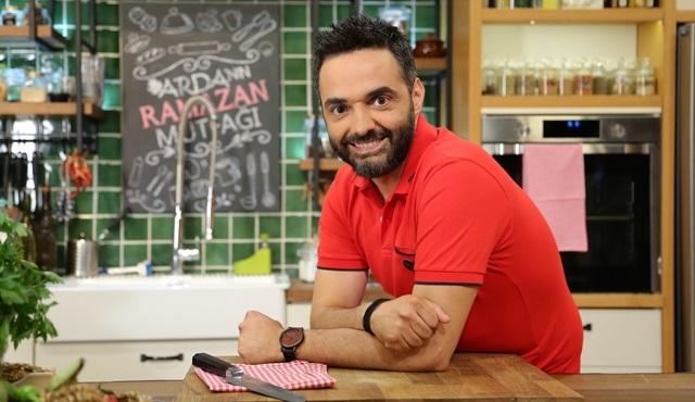 """Arda Türkmen, """"Arda'nın Ramazan Mutfağı""""yla TV8'de!"""