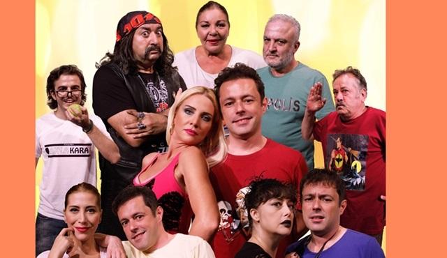 """Tiyatro Ak'la Kara'nın yeni sezon oyunlarından """"Üç Nokta?"""" perde açıyor!"""
