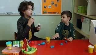 Elimi Bırakma'nın genç yıldızı Yiğit Kağan Yazıcı, Tohum Otizm Vakfı'nı ziyaret etti!