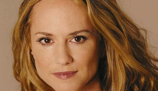 HBO'nun yeni dizisinin başrolü Holly Hunter oldu