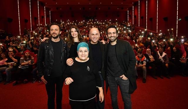 Cebimdeki Yabancı oyuncuları İzmir'de coşkuyla karşılandı!