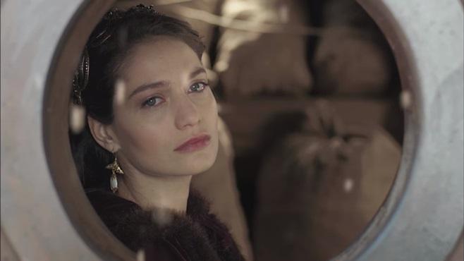 Muhteşem Yüzyıl Kösem: Kızını Dövmeyen...