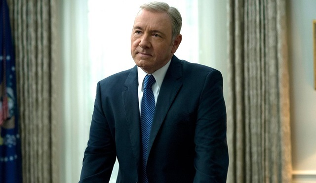 Kevin Spacey, House of Cards'tan kovuldu