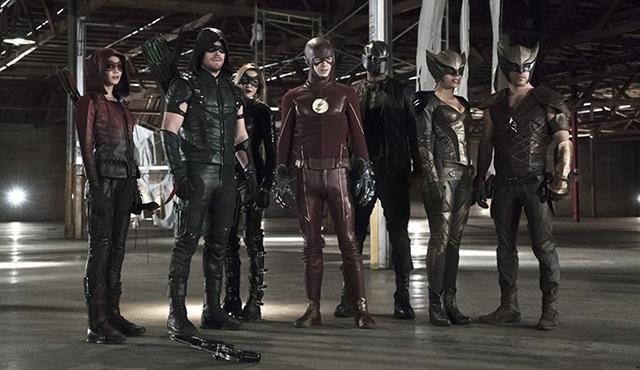 Arrow ve The Flash'ın ortak bölümünden ilk tanıtım geldi