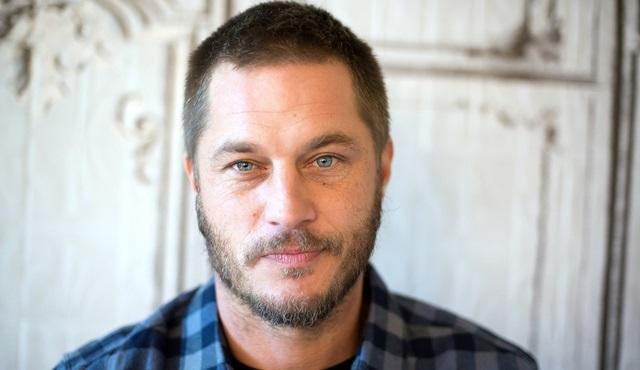 Travis Fimmel, Raised by Wolves dizisinin kadrosuna katıldı