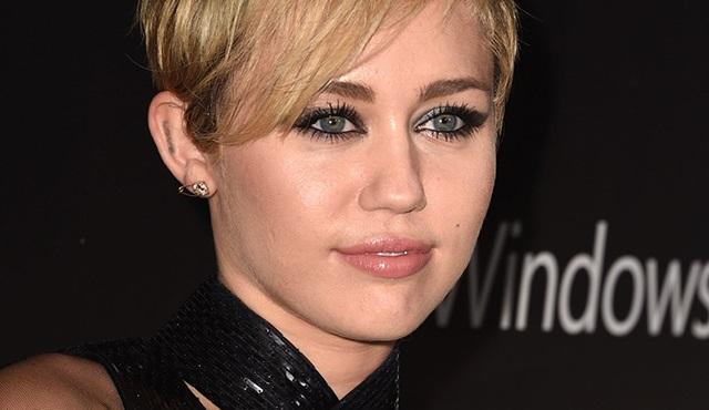 Miley Cyrus, The Voice programına dahil oldu