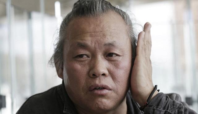 Güney Kore'nin Altın Aslan ödüllü ünlü yönetmeni Kim Ki-duk tacizle suçlanıyor