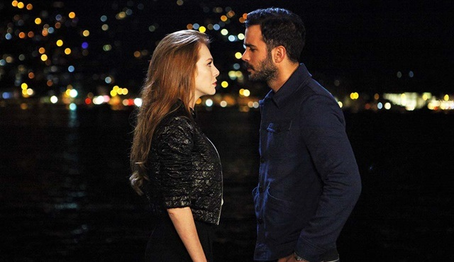 Love For Rent | The gesture-off between Ömer and Defne