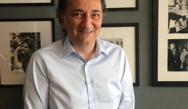 Ahmet Ziyalar: Dizilerimiz bulaşıcı. Temasla yayılıyorlar.