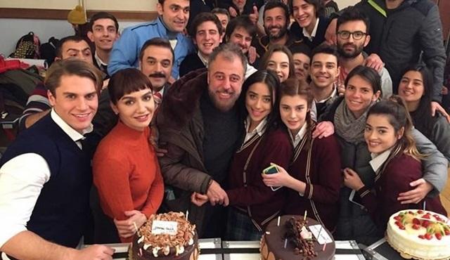 Hamdi Alkan'ın doğum günü Hayat Bazen Tatlıdır setinde kutlandı!