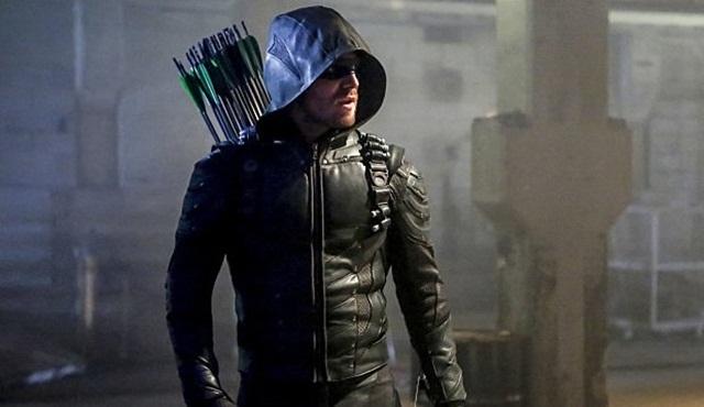 Eski bir Arrow oyuncusu, dizinin 100. bölümü için diziye dönüyor