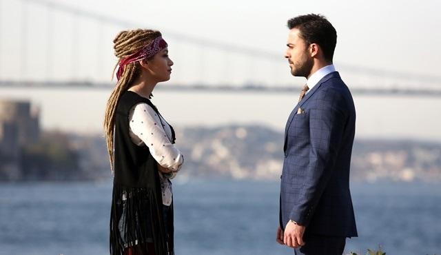 Aşk Yalanı Sever: Peri and Ferit get closer through chaos