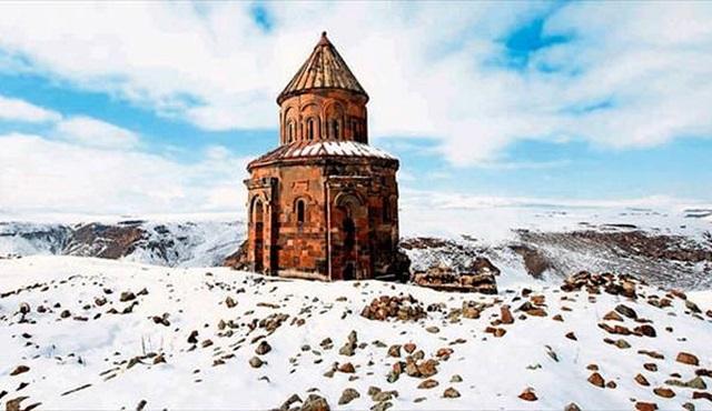 UNESCO Dünya Miras Listesi'ne aday Ani Harabeleri Belgeseli İZ TV ekranlarında!