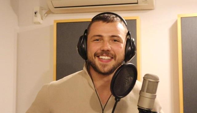 Tolga Sarıtaş, Arıza dizisi için şarkı söyledi!