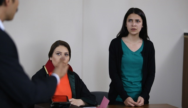 Orphan Flowers | Eylül feels guilty about Büşra