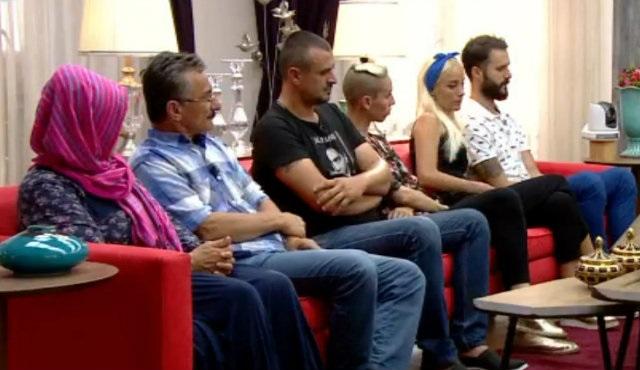 Ben Bilmem Eşim Bilir Evi'nde yeni yarışma: Sorulu Yapboz!