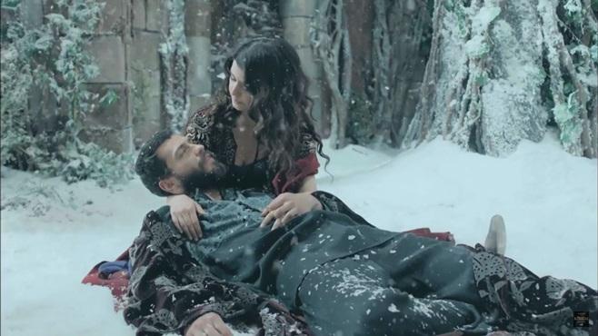 Muhteşem Yüzyıl Kösem : İncecikten Bir Kar Yağar