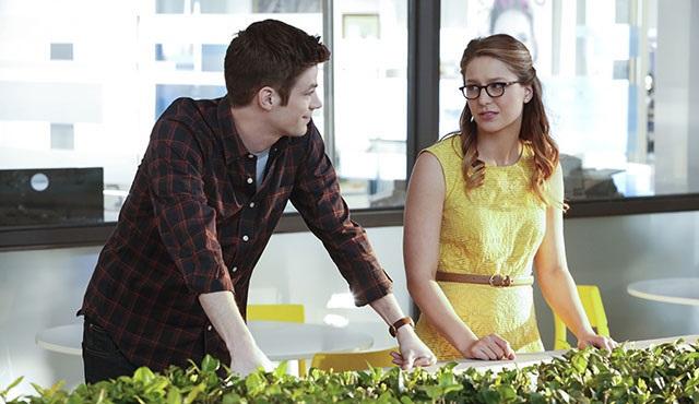 Supergirl ve The Flash ortak bölümünden ilk kareler ortaya çıktı