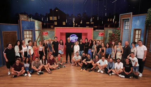 Çok Güzel Hareketler, yeni sezonun ilk bölümü ile Kanal D'de ekrana gelecek!