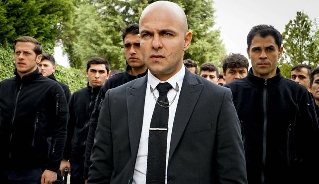 Çeto karakterine hayat veren Erkan Avcı, Çukur dizisine veda etti!