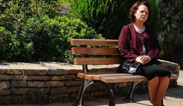 Kimse Bilmez dizisinin kadrosuna Fatma Karanfil katıldı!
