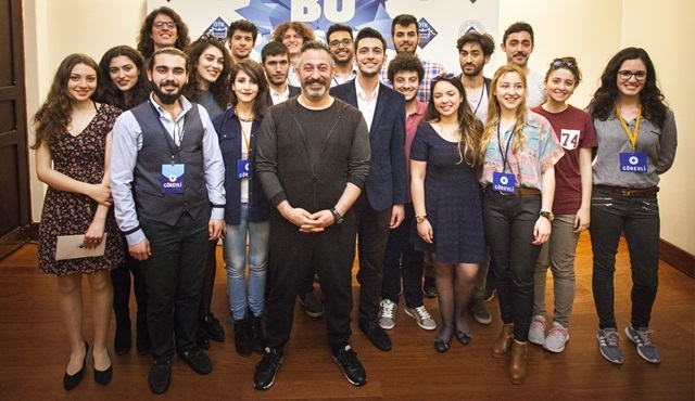 Cem Yılmaz'a Boğaziçi Üniversitesi'nden ''En Sevilen Mezun'' Ödülü!
