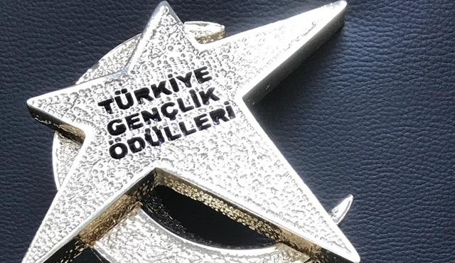 Türkiye Gençlik Ödülleri'nde Türkiye'nin En İyi TV Kanalı Star seçildi!
