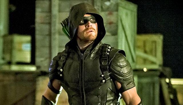 Oliver Queen'in geleceğini Legends of Tomorrow'da göreceğiz