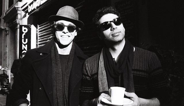 Metin Akdülger, Journers grubuyla birlikte iki yeni şarkı yayınladı!