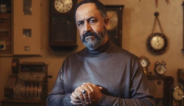 Mehmet Özgür, Vuslat dizisinde Salih Baba karakterine can verecek!