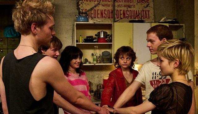 We Children From Bahnhof Zoo dizisi tüm bölümleriyle BluTV'de!