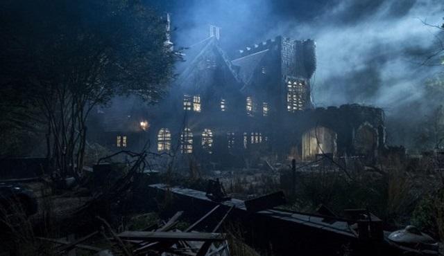 Netflix'in yeni korku dizisi Tepedeki Ev'in ilk fragmanı ve afişi yayınlandı!