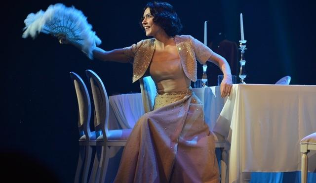 Müzeyyen müzikali yoğun istek üzerine İstanbul seyircisi ile yeniden bir araya geliyor!