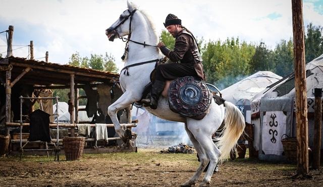 Diriliş Ertuğrul'un yeni sezonu için geri sayım başladı!