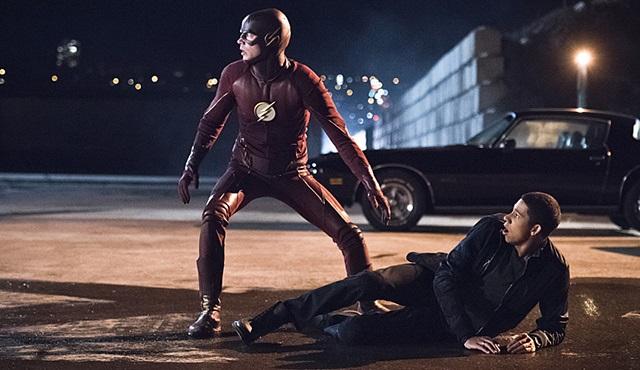 Dünyanın en hızlı süper kahramanı geri dönüyor!
