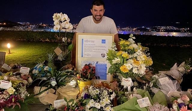 Engin Akyürek'in doğum günü hayranları tarafından aynı anda kutlandı!