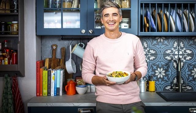 Donal ile Pratik Aile Yemekleri yeni bölümleriyle 24Kitchen ekranlarında!