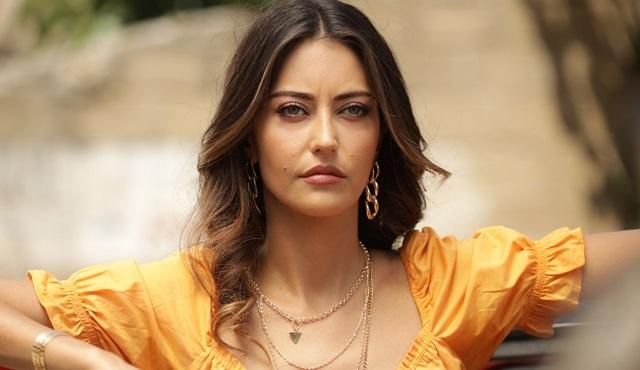 Oluversin Gari film serisinin ilk filmi Aşk Oluversin Gari 6 Temmuz'da FOX'ta!