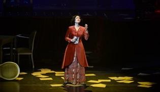 Şevval Sam'ın sahnelediği Müzeyyen müzikali Türkiye'yi gezmeye devam ediyor!