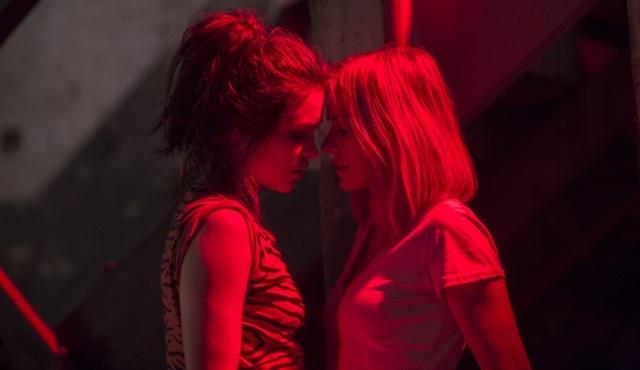 Netflix'in yeni psikolojik korku dizisi Gypsy'den ilk görüntüler paylaşıldı!