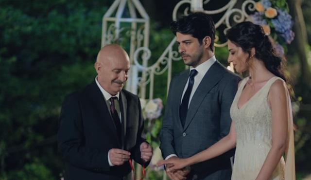 Kara Sevda'da Kemal ve Asu nişanlanıyor!