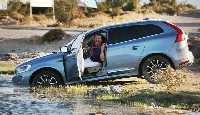 Emre Kınay, Yol Arkadaşım filmi için arabasıyla göle uçtu!