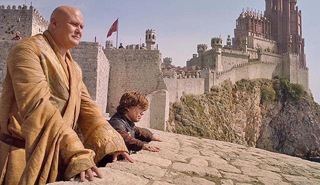Game of Thrones'taki Kral'ın Toprakları'nı çörekle yeniden yarattı