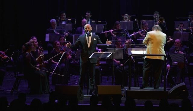 Halit Ergenç, uluslararası ilk konserini verdi!