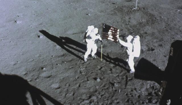 Neil Armstrong Hakkında Bilinmeyenler National Geographic'te ekrana gelecek!