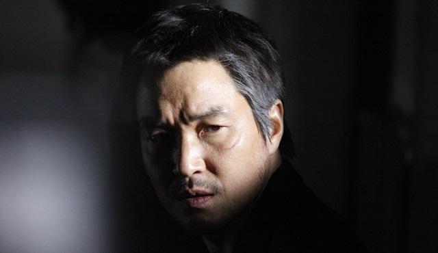 Han Suk-kyu, romantik doktor Kim Sa-bu rolünde ekranlara dönüyor!