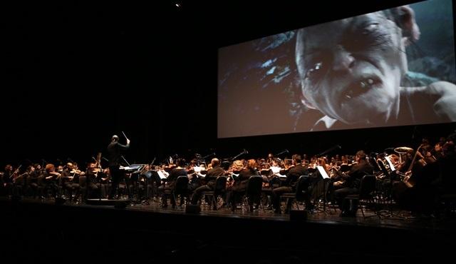 Yüzüklerin Efendisi: İki Kule filmi, dev orkestra ve koro ile canlandı!