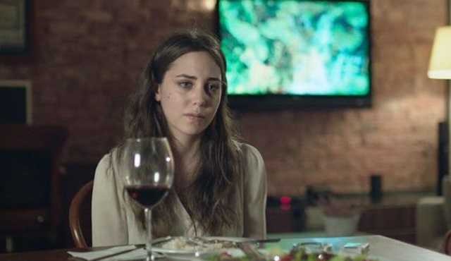 Öykü Karayel, Zeki Demirkubuz filmi Bulantı'da oynadı!