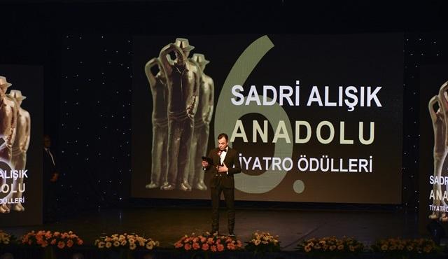 8. Sadri Alışık Anadolu Tiyatro Oyuncu Ödülleri'nde adaylar belli oldu!