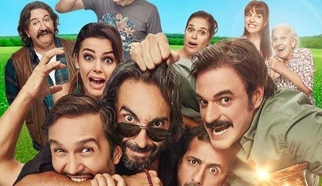 """""""Geniş Aile: Yapıştır!""""  Box Office Türkiye'nin zirvesindeki yerini koruyor!"""